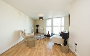 picture of 2 Bedroom(s) flat in  Granville Gardens, Ealing Common, W5