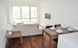 picture of 1 Bedroom(s) flat in  Belgravia House, Dickens Yard, W5