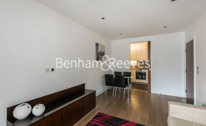 1 Bedroom flat to rent in Dickens Yard, Ealing, W5