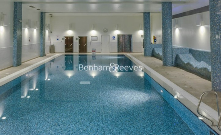 Studio flat to rent in High Point Village, Hayes, UB3