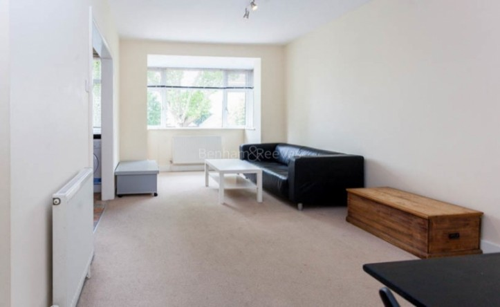 1 Bedroom flat to rent in Pitshanger Lane, Ealing, W5