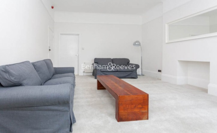1 Bedroom flat to rent in Madeley Road, Ealing W5
