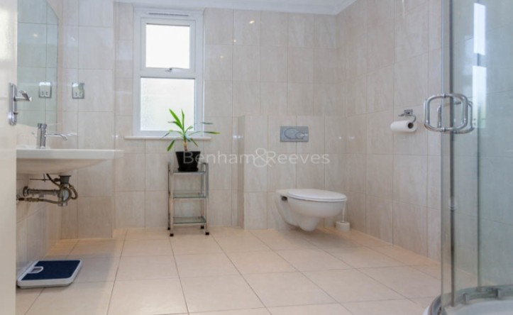 1 Bedroom flat to rent in Argyle Road, Ealing, W13