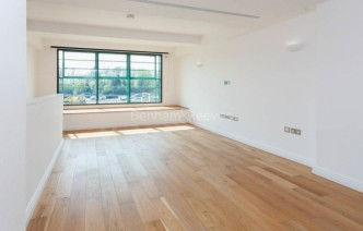 picture of 1 Bedroom(s) flat in  Hoover Building, Perivale, UB6