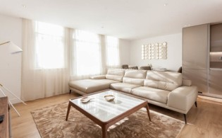 picture of 2 Bedroom(s) flat in  New Broadway, Ealing, W5