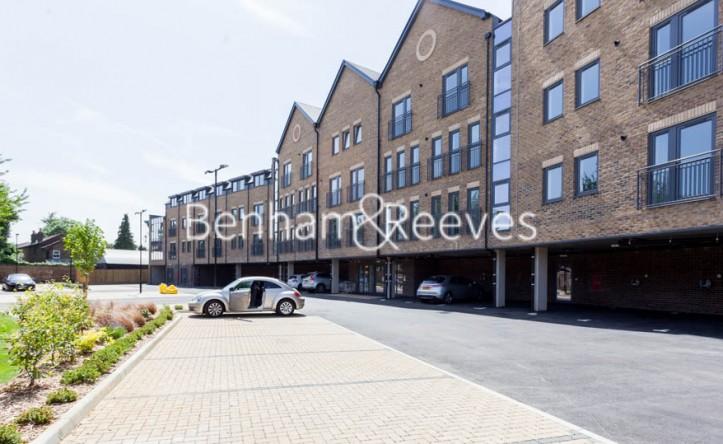 1 Bedroom flat to rent in Waterloo Road, Uxbridge, UB8
