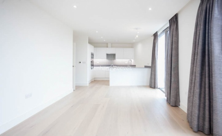 2 Bedroom flat to rent in Seaford Road, Northfields, W13
