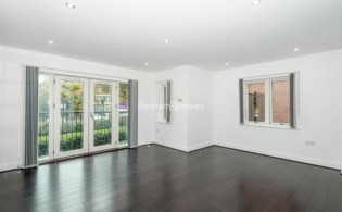 picture of 2 Bedroom(s) flat in  Sudbury Hill, Harrow, HA1