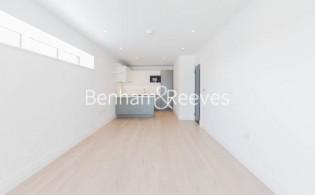 picture of 2 Bedroom(s) flat in  Filmworks Walk, Ealing, W5