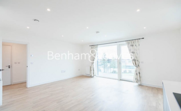 2 Bedroom flat to rent in Accolade Avenue, Southall, UB1
