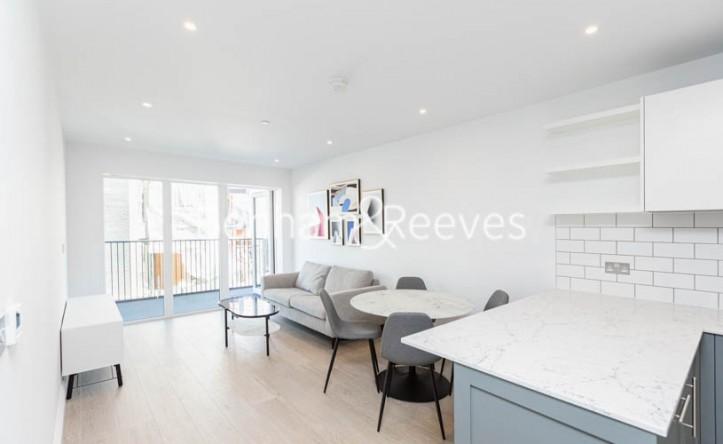 2 Bedroom flat to rent in Filmworks Walk,Ealing, W5