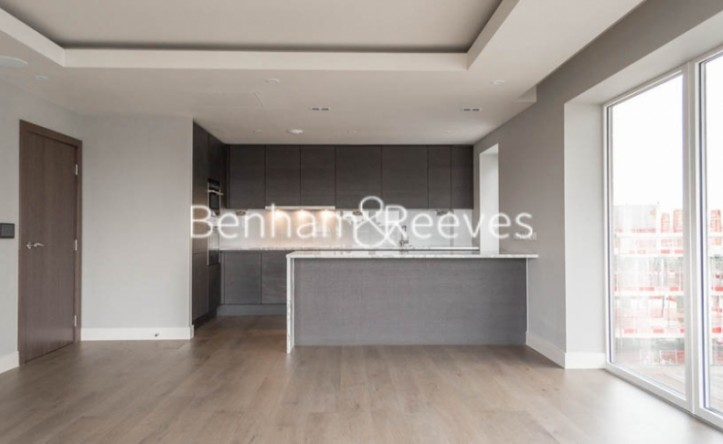 2 Bedroom flat to rent in Fulham Reach, Hammermsith, W6