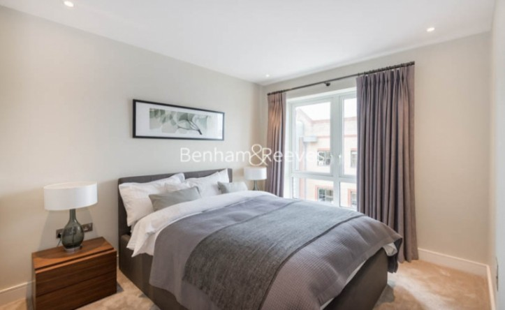 2 Bedroom flat to rent in Chancellor Road, Hammersmith, W6