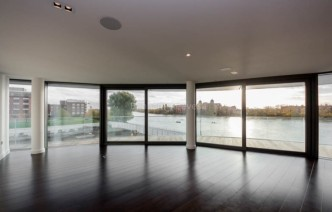 picture of 3 Bedroom(s) flat in  GoldHurst House, Hammersmith, W6