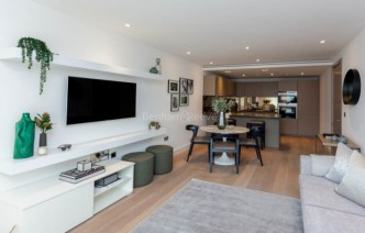 picture of 1 Bedroom(s) flat in  Parrs Way, Hammersmith, W6
