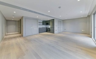 picture of Studio flat in  Queens Wharf, Hammersmith, W6
