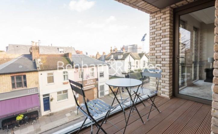 1 Bedroom flat to rent in Queens Wharf, Hammersmith, W6