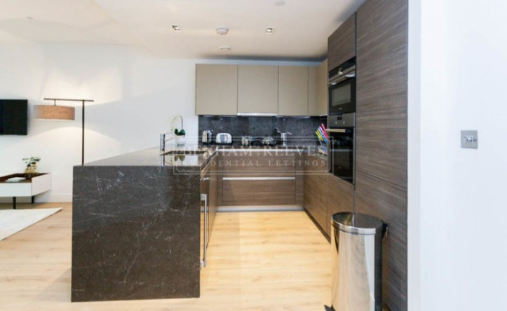 2 Bedroom flat to rent in Lancaster House, Sovereign Court, Hammersmith, W6