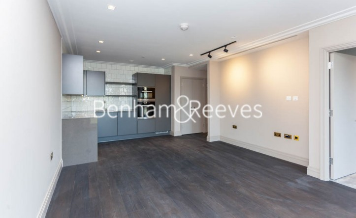 1 Bedroom flat to rent in Queens Wharf, Hammersmith, W6