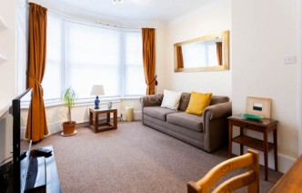 picture of 1 Bedroom(s) flat in  Petley Road, Hammersmith, W6