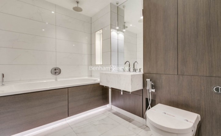 5 Bedroom flat to rent in Sovereign Court, Hammersmith, W6