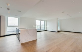 picture of 3 Bedroom(s) flat in  Sovereign Court, Hammersmith, W6