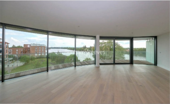 3 Bedroom flat to rent in Hamilton House, Fulham Reach, W6