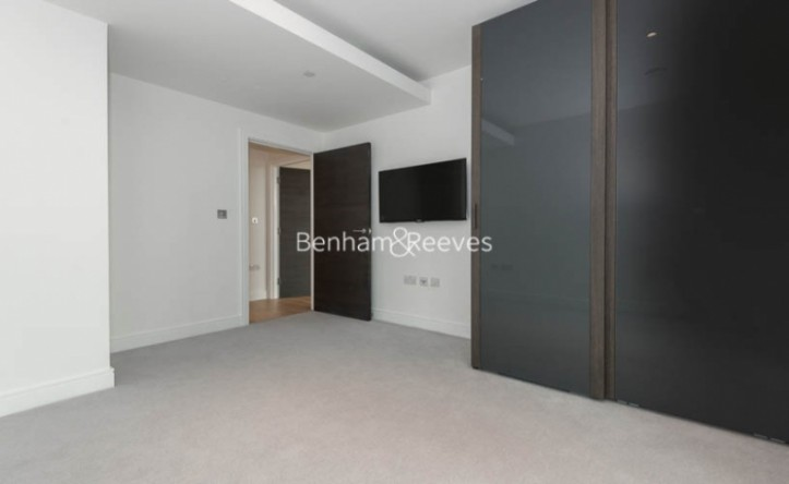 1 Bedroom flat to rent in Sovereign Court, Hammersmith, W6