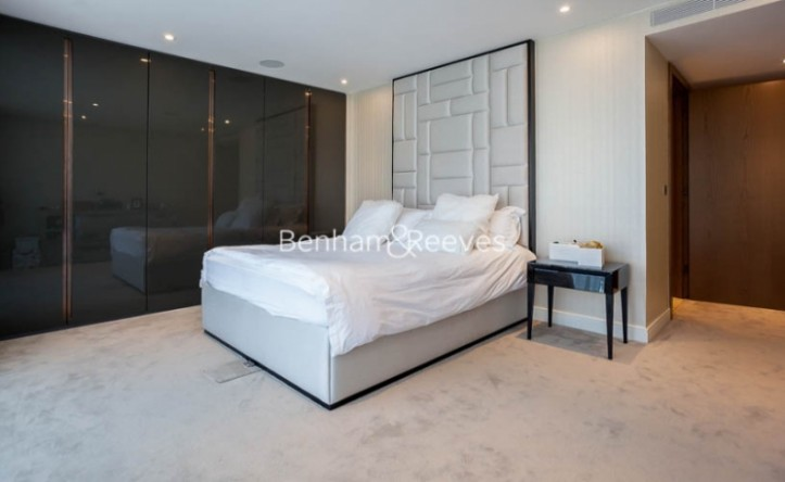 3 Bedroom flat to rent in Goldhurst House, Fulham Reach, W6