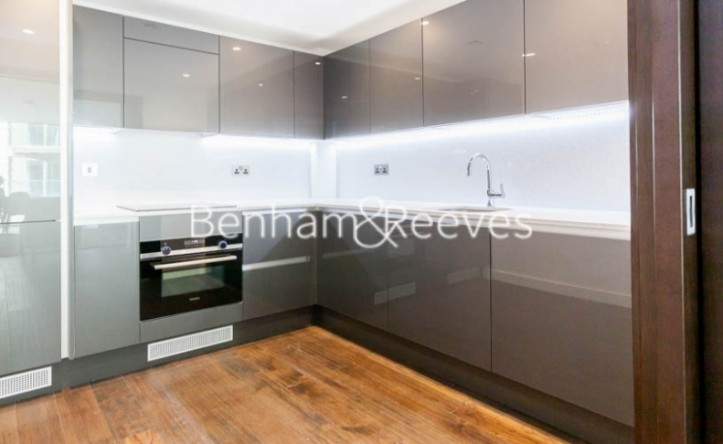 1 Bedroom flat to rent in Rosemary Building, Royal Mint Gardens, E1
