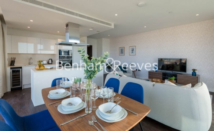 2 Bedroom flat to rent in Rosemary Building, Royal Mint Gardens, E1