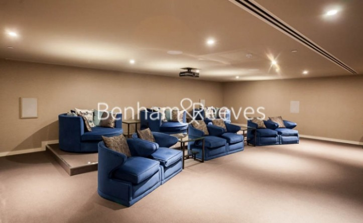 2 Bedroom flat to rent in Rosemary Place, Royal Mint Gardens, E1