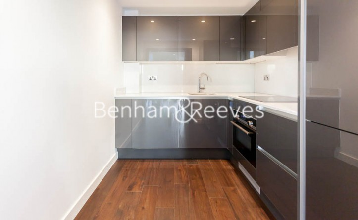 1 Bedroom flat to rent in Rosemary Place, Royal Mint Gardens, E1