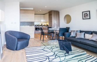 picture of 1 Bedroom(s) flat in  Seafarer Way, Surrey Quays, SE16
