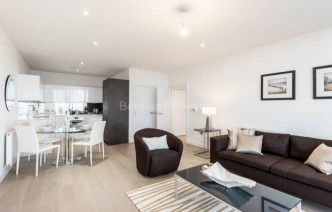 picture of 2 Bedroom(s) flat in  River Gardens Walk, Greenwich, SE10