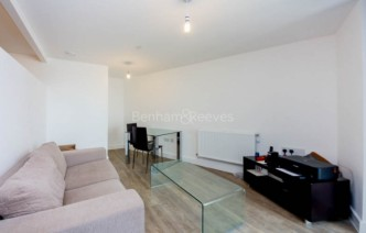 picture of 1 Bedroom(s) flat in  Cornmill Lane, Lewisham, SE13
