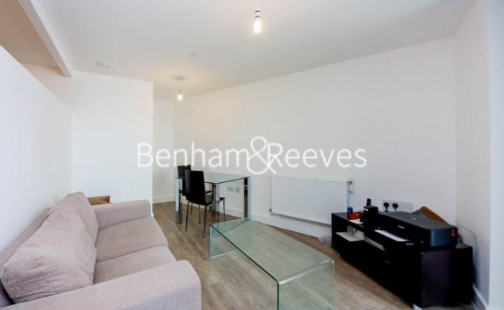 1 Bedroom flat to rent in Cornmill Lane, Lewisham, SE13