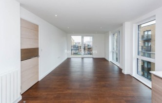 picture of 2 Bedroom(s) flat in  Plough Way, Surrey Quays, SE16