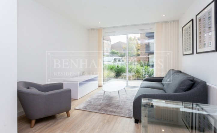 1 Bedroom flat to rent in Endeavour House, Ashton Reach, SE16