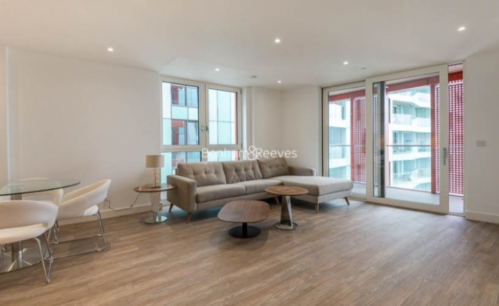 2 Bedroom flat to rent in Enderby Wharf, Surrey Quays, SE10