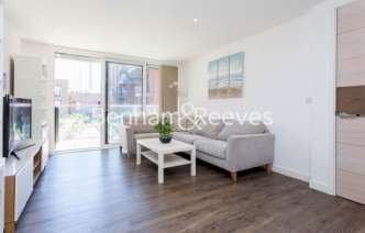 picture of 2 Bedroom(s) flat in  Royal Victoria Gardens, Surrey Quays, SE16