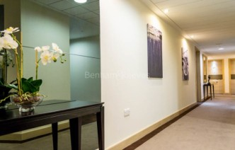 picture of 2 Bedroom(s) flat in  Whiting Way, Surrey Quays, SE16