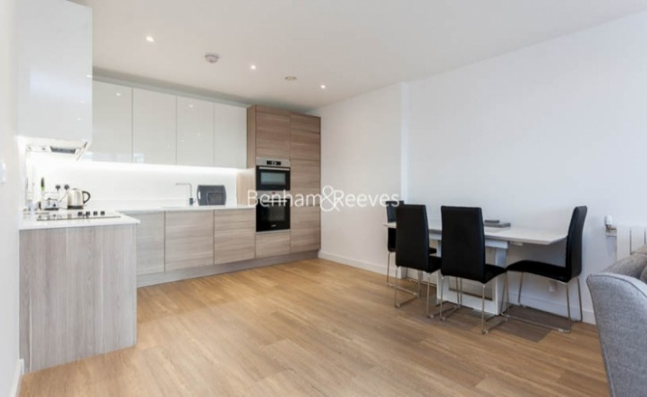 2 Bedroom flat to rent in Endeavour House, Marine Wharf, SE16