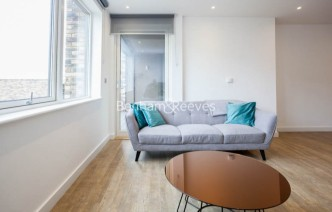 picture of 3 Bedroom(s) flat in  Maritime Street, Surrey Quays, SE16