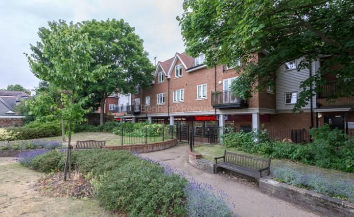 1 Bedroom flat to rent in Mercury House, Ewell, KT17