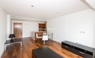 picture of 2 Bedroom(s) flat in  Kew Bridge Road, Brentford TW8