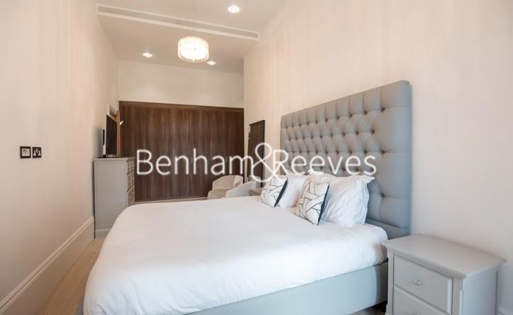 2 Bedroom flat to rent in Kew Bridge, Brentford, TW8