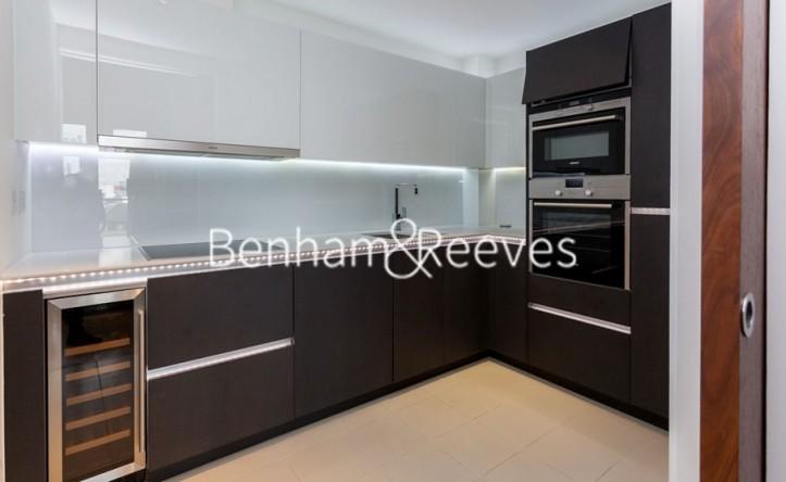 2 Bedroom flat to rent in Kew Bridge Road, TW8