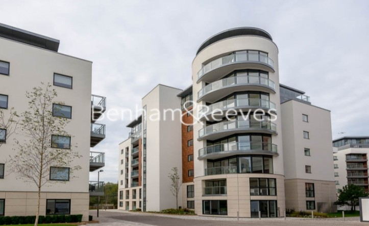 1 Bedroom flat to rent in Kew Bridge West, Brentford, TW8