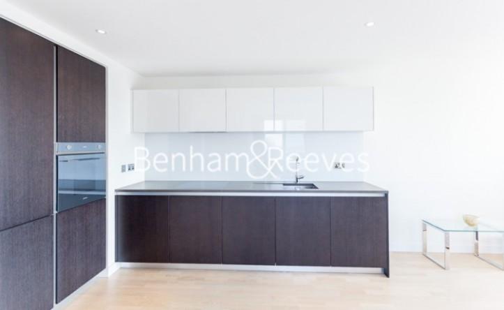2 Bedroom flat to rent in Pump House Crescent, Brentford, TW8